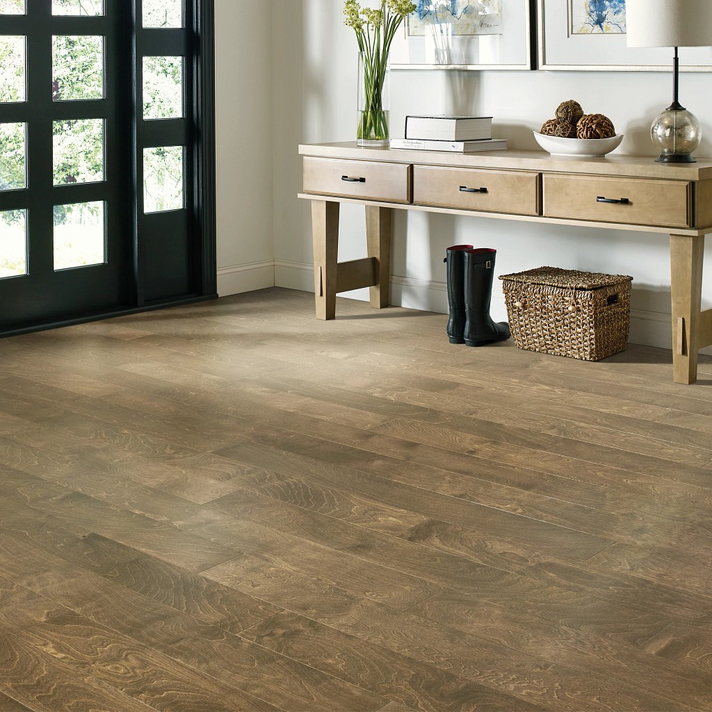 Wood Looks for a Traditional Feel | Direct Carpet Unlimited